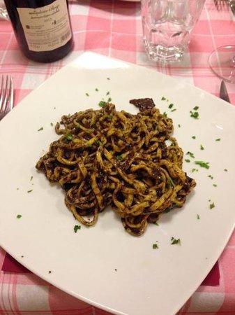 I Vascellari: Pasta with Truffle Sauce