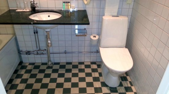 Elite Palace Hotel Stockholm: Toilet