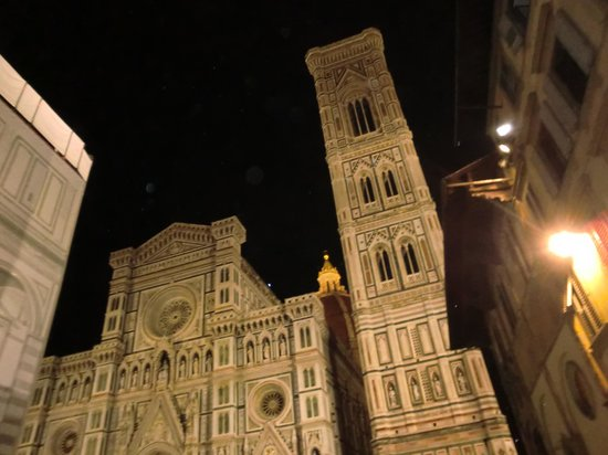Hotel Brunelleschi: Duoma at night