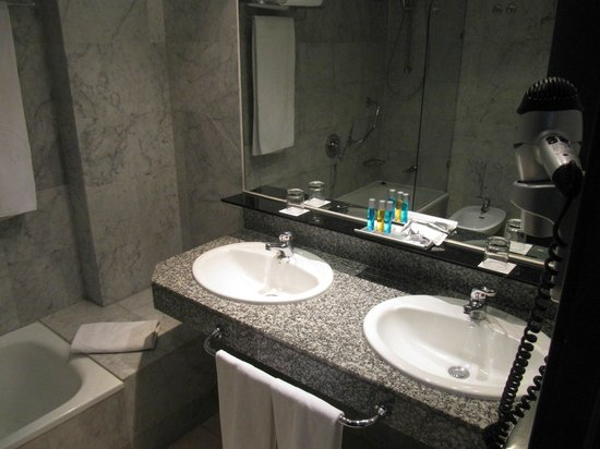 Cleopatra Palace Hotel: Ванная комната
