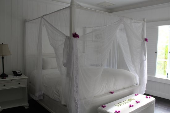 Sugar Beach, A Viceroy Resort: bedroom/mosquito net