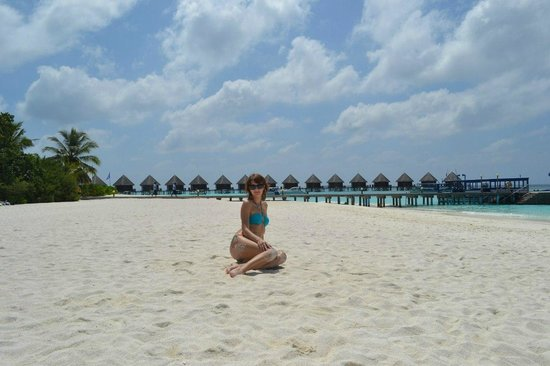 Thulhagiri Island Resort : на пляже