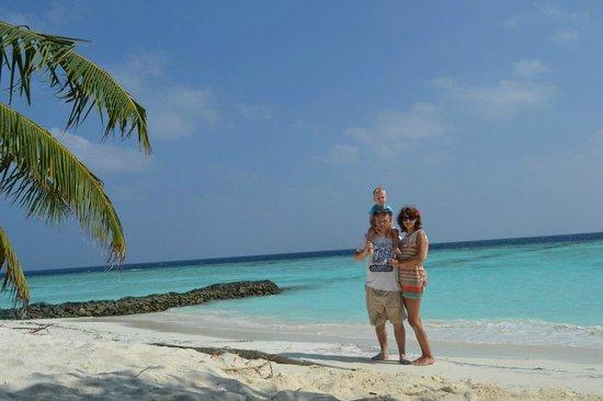 Thulhagiri Island Resort: на берегу Индийского океана