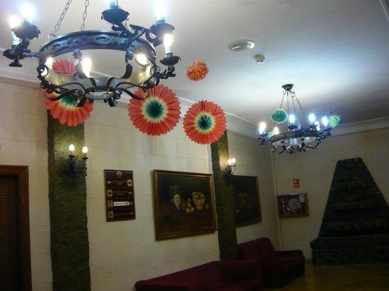Magic Cristal Park Hotel: Entrada en comedor