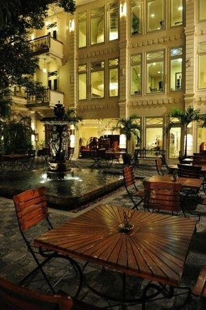 The Phoenix Hotel Yogyakarta - MGallery Collection: The Phoenix Hotel Yogyakarta - Water Fountain