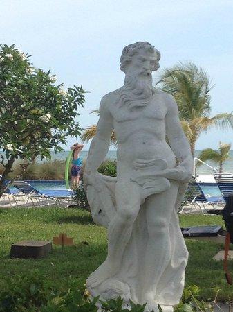 The Neptune Resort: Neptune Statue
