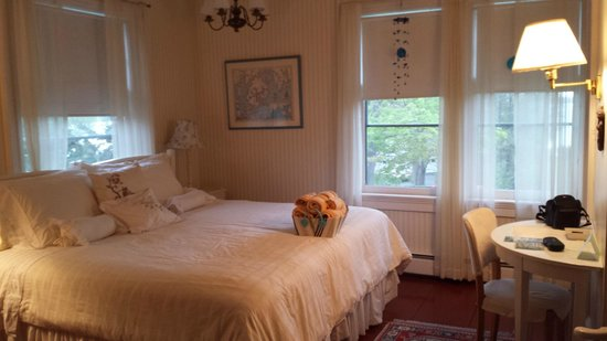 Shore Path Cottage: Peter's Room