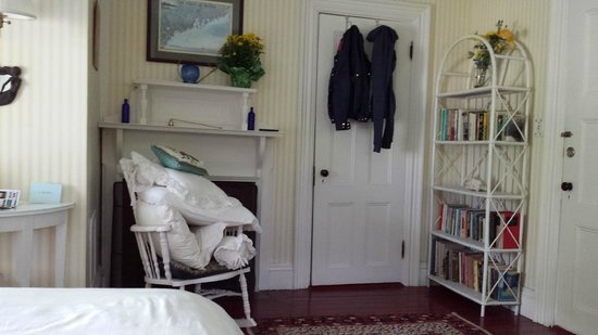 Shore Path Cottage : Peter's Room