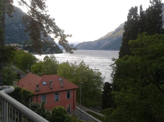 Clarion Collection Hotel Griso Lecco: The lake at evening