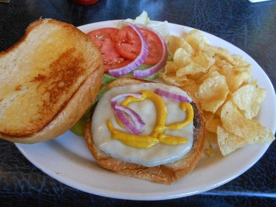 Sundeck Restaurant: Burger