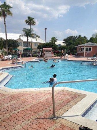 Crown Club Inn Orlando By Exploria Resorts : Club House Pool