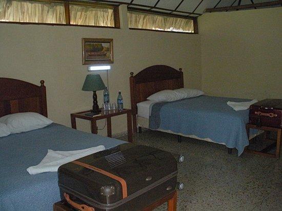 Hotel Tikal Inn: the plain bedroom  in B--12