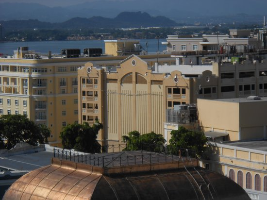 Sheraton Old San Juan Hotel: view of hotel from Cruise Port