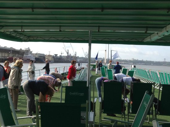 Bordeaux River Cruise: Keeping Fit