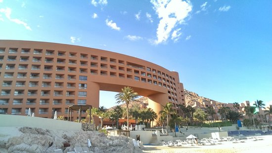 Club Regina Los Cabos: View of the Westin next door from the beach