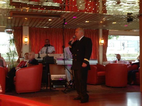 "Bordeaux River Cruise: Captain of MS Princesse d""Aquitaine"