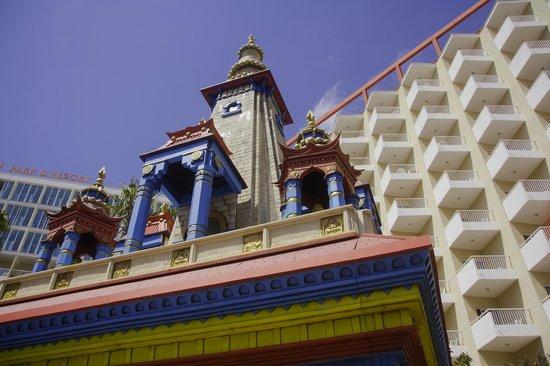 Sol Katmandu Park & Resort : entrada al hotel
