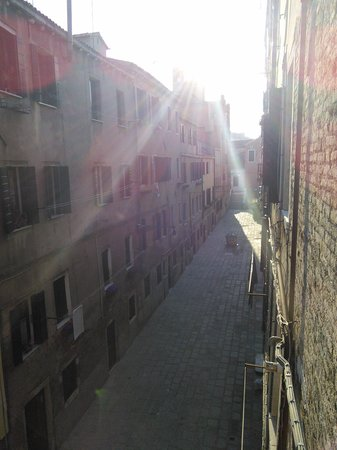 B&B San Giacomo Venezia : Early moring view from my window