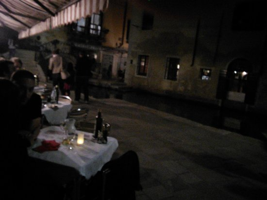 B&B San Giacomo Venezia : Trattoria Del Ponte, nearby.