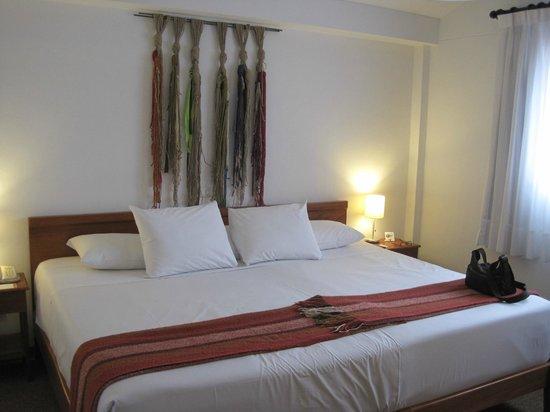 Tierra Viva Cusco Centro : king bed room