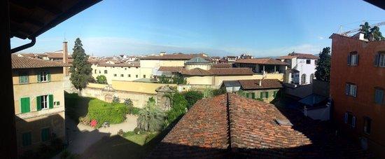 Hotel Loggiato dei Serviti : View from window of room 34