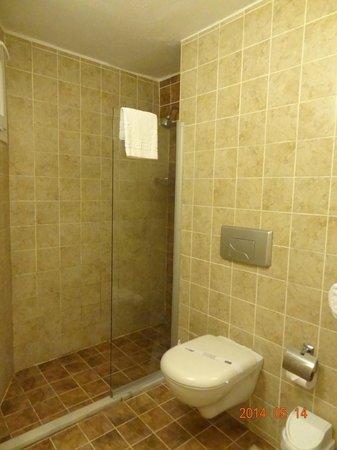 Atlantique Holiday Club: shower