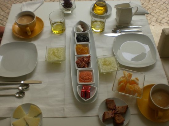 Hotel Viento10: The Great Breakfast