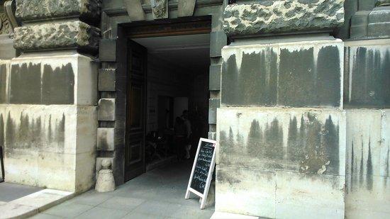 Soho: Entrance