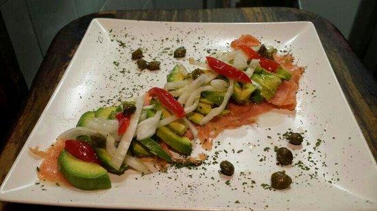 Taperia de Sybaris : Uuummmm aguacates con salmon!!!