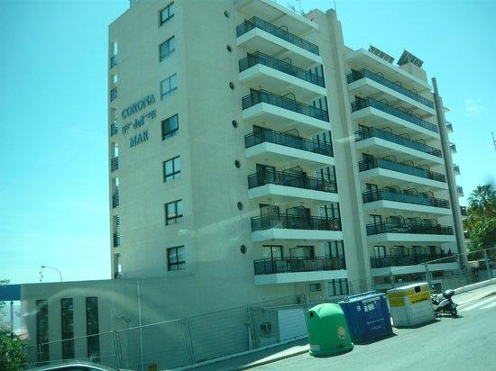 Hotel RH Corona del Mar: vista del hotel foto hecha del autobuz