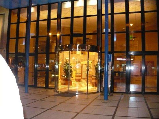 Hotel RH Corona del Mar: la entrada en hotel