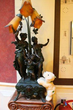Great Southern Hotel Sligo: Decor in Lobby