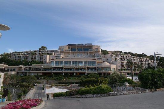 Hilton Bodrum Turkbuku Resort & Spa : Hotel Blick, 호텔전경