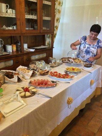 Podere la Marianella : Met veel zorg bereid ontbijt