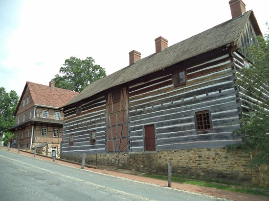Old Salem Museums & Gardens: Single Brother's house