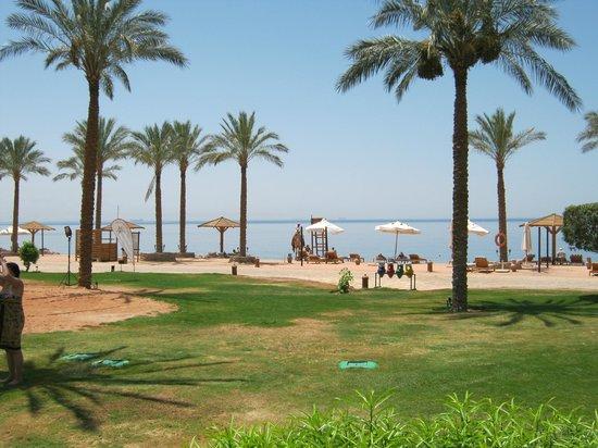 Mövenpick Resort Taba Hotel: plaża