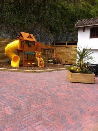 The Dolphin Inn Restaurant: Play area