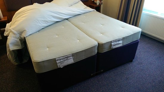Premier Inn Stroud Hotel: Bet Lenny does not lay on this in the adverts