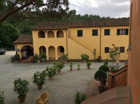 Borgo La Torre: Zijuitzicht uit zijraam kamer