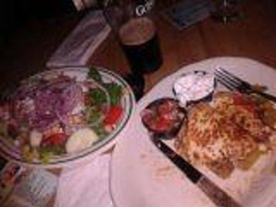 LakeHouse Pub: Pub Salad and Quesadilla