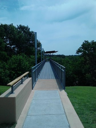 Chickasaw Cultural Center : Skybridge