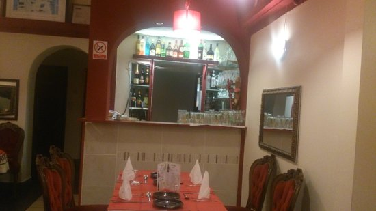Tajmahal Tandoori Restaurant: Bar area