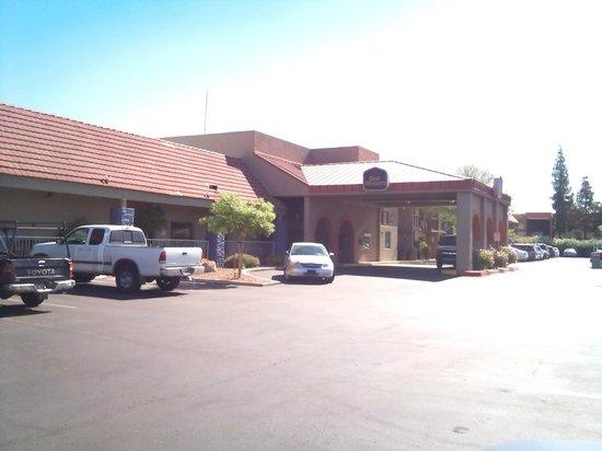 Best Western Airport Inn: Vista di arrivo