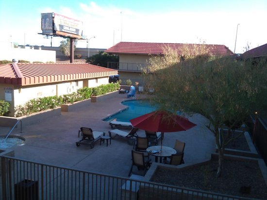 Best Western Airport Inn : Piscina