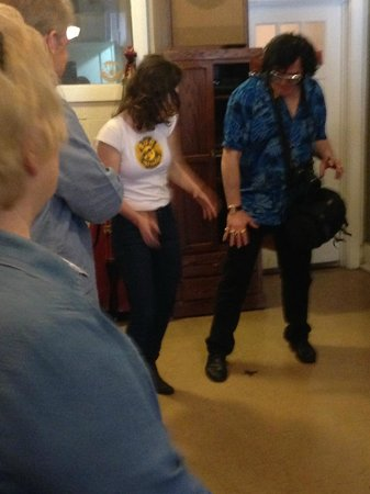 Sun Studio: elvis is in the building!
