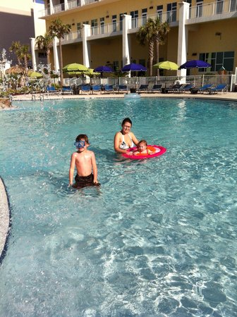 Holiday Inn Resort Pensacola Beach : family fun