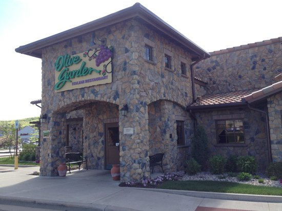 Olive Garden: Dine in today!