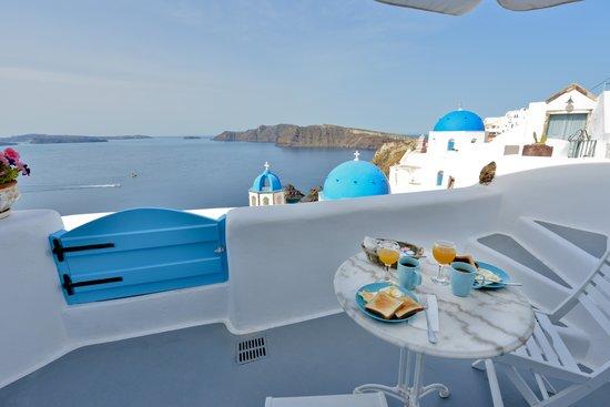 Myblue: Island Blue patio