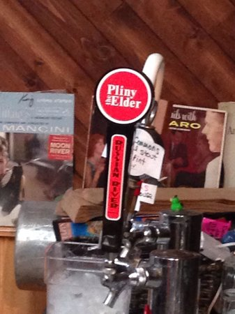 Pacific City, OR: They also have specialty beers on tap. Great beers!