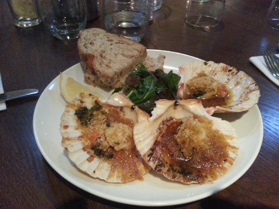 Kingswood Bar & Restaurant : Scallops starter